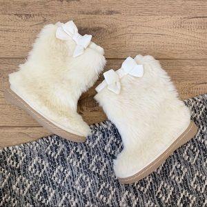 Gap Girls Cream Faux Fur Bow Boots 8